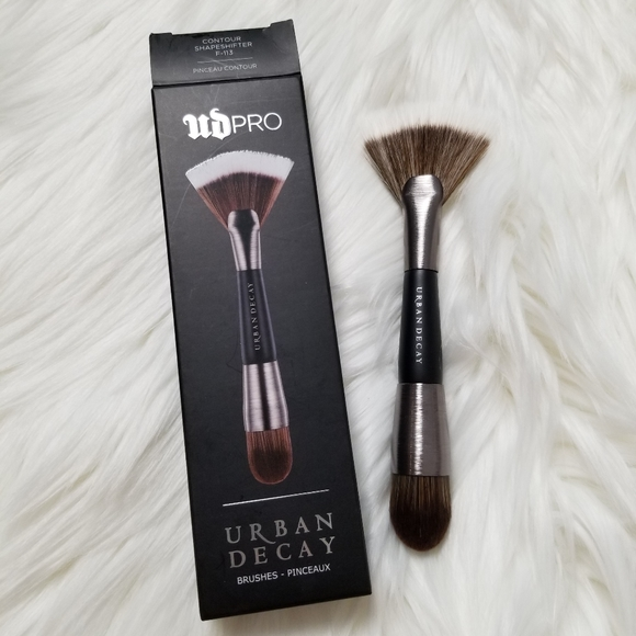 Urban Decay Contour Brush F113
